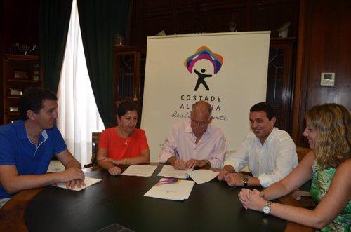 Cano y Amat firman el convenio de promoción turística de Mojácar