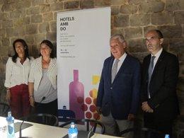 M.Muro, S.Recasens, J.Clos y J.Bort en la presentación del II Hotels amb D.O.