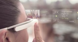 Foto: La app MyGlass permite controlar Google Glass desde un dispositivo Android (PORTALTIC)