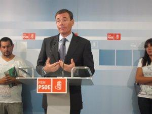 Gómez pide a la Comunidad que recontrate al personal de centros educativos especiales