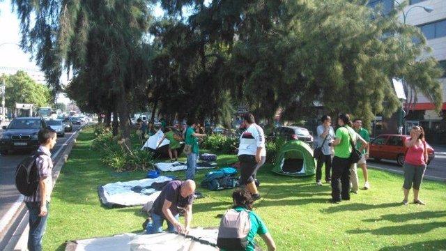 Interinos preparan la acampada ante el Parlamento