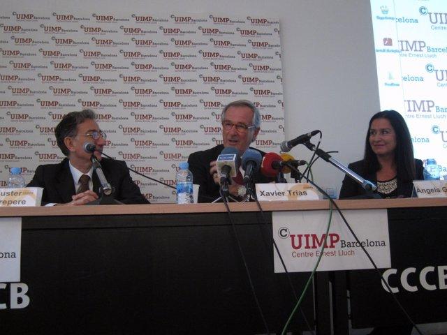 J.Fuster Sobrepere (Cuimpb), el alcalde X.Trias y À.Guiteras (Tercer Sector)