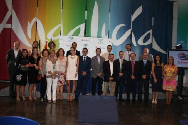 Almeida viajes comercializar en sus m s de 300 oficinas for Oficinas unicaja cordoba