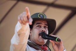 El presidente de Venezuela, Nicolás Maduro, habla durante una ceremonia militar