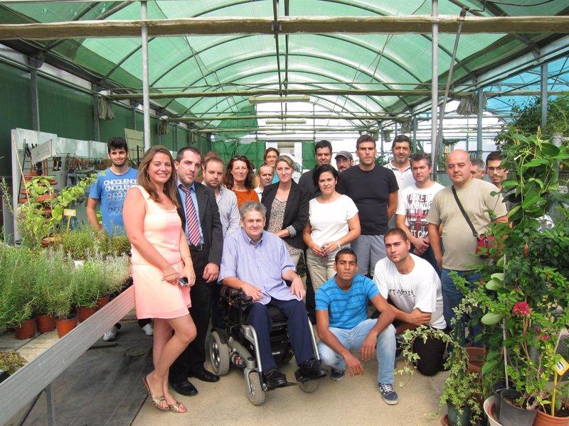 Personas con discapacidad ampl an sus posibilidades for Curso de jardineria