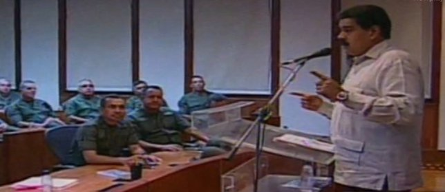 Maduro anuncia que derribará aviones