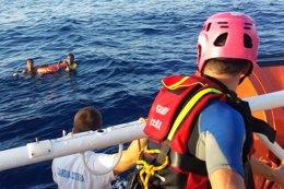Recuperan 110 cadáveres del naufragio de Lampedusa