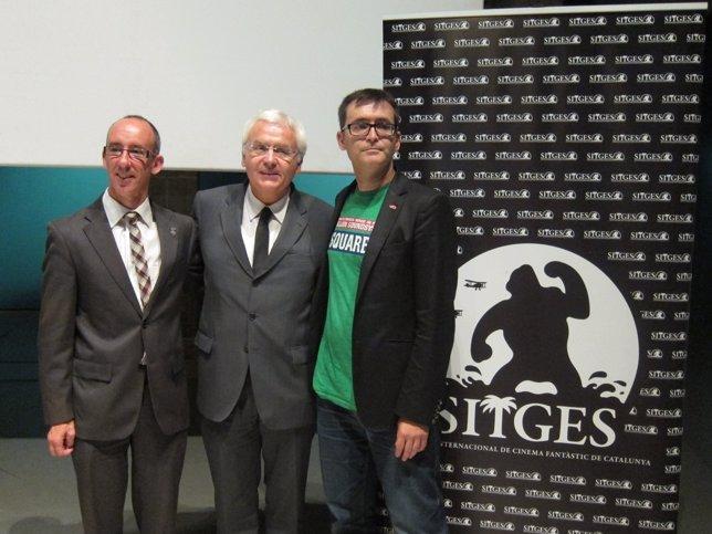 El alcalde M.Forns, el conseller F.Mascarell y el director À.Sala