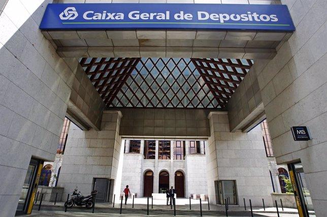 Caixa geral cerrar 63 oficinas en espa a y reducir su for Caixa catalunya oficinas en madrid