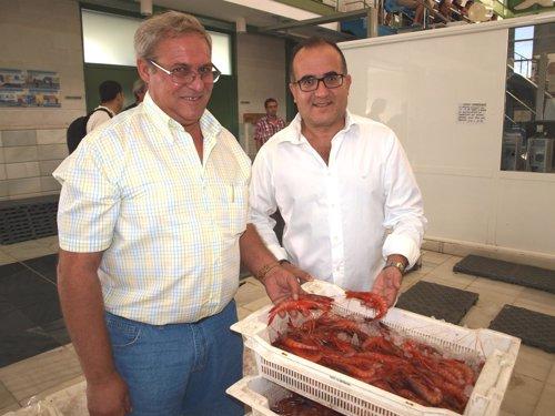 L patrón mayor de la cofradía de Garrucha y el alcalde de la localidad