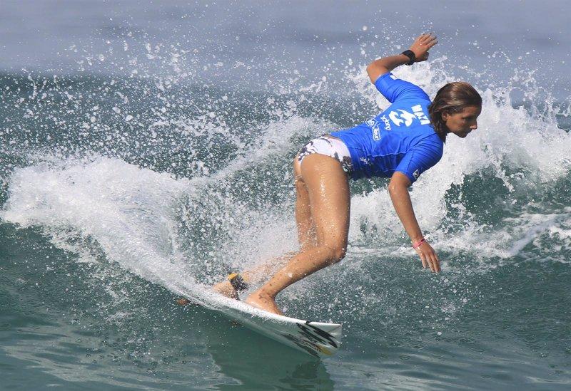 La surfista brasile 241 a maya gabeira sufre un espectacular accidente
