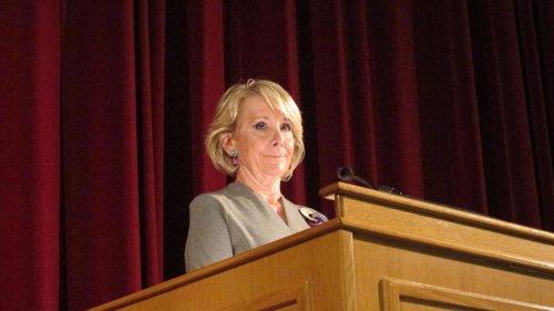 Esperanza Aguirre pronuncia una conferencia en la AGM de Zaragoza