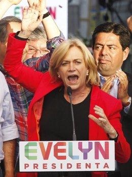 La candidata de La Alianza a las presidenciales de Chile, Evelyn Matthei.