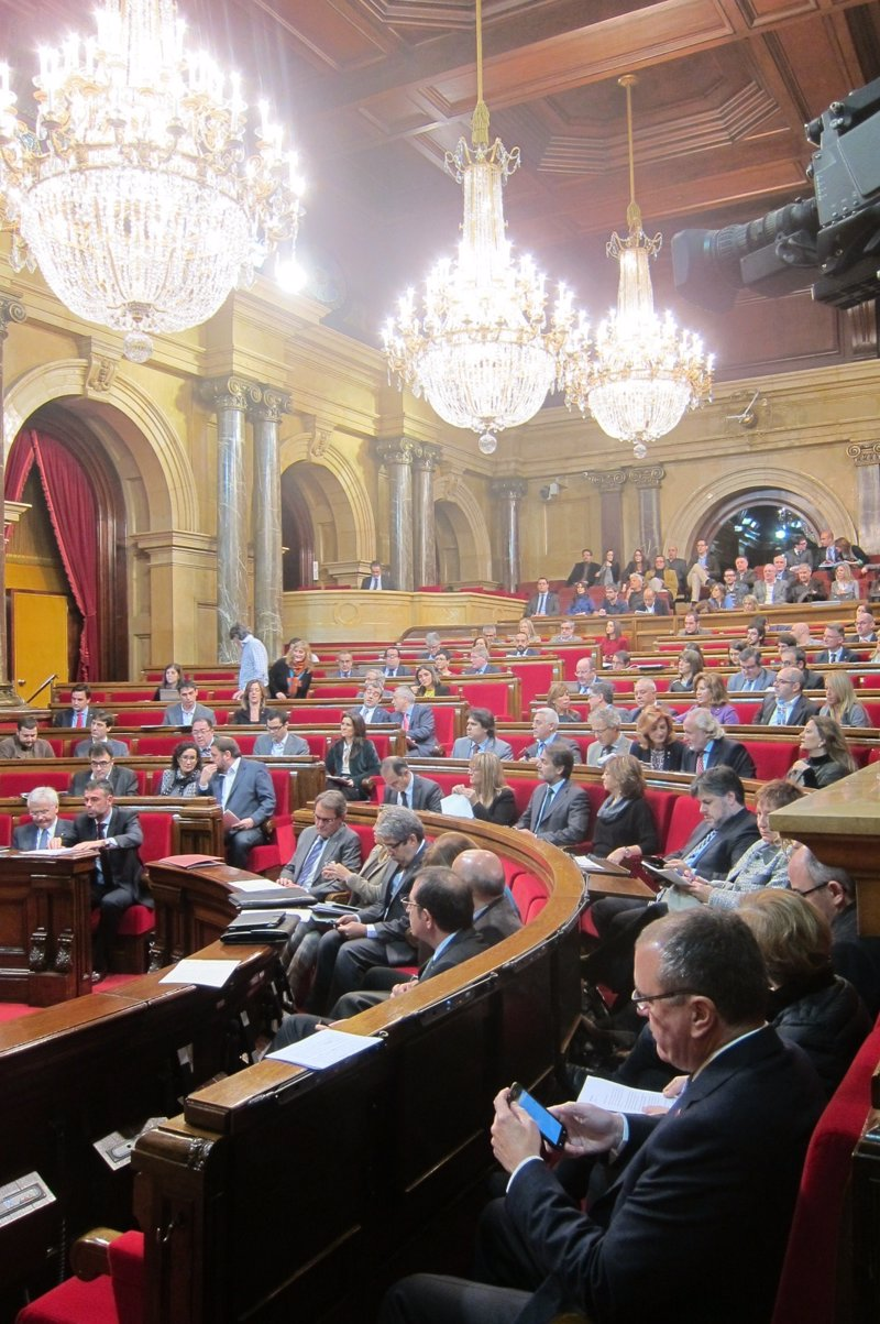 El govern revisar las becas comedor denegadas por los for Becas comedor barcelona