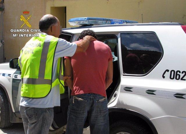 Equipos roca de la guardia civil detienen a m s de 100 for Servicio tecnico roca murcia