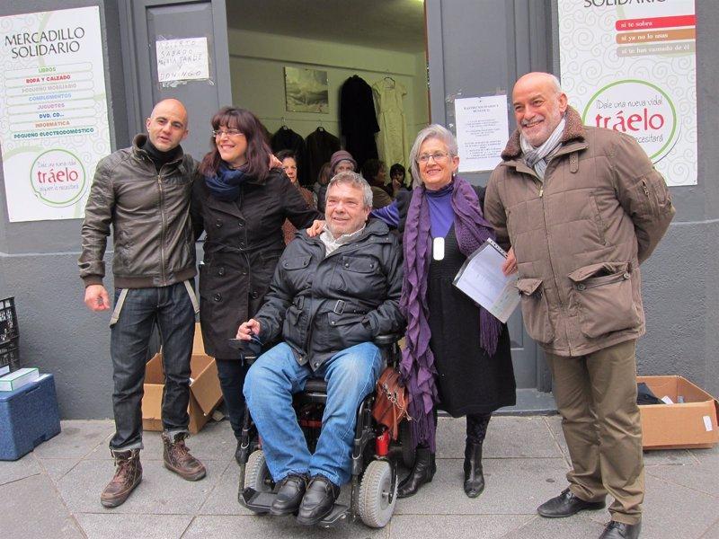 Cruz roja y par s 365 reciben euros recaudados en - Comedor solidario paris 365 ...