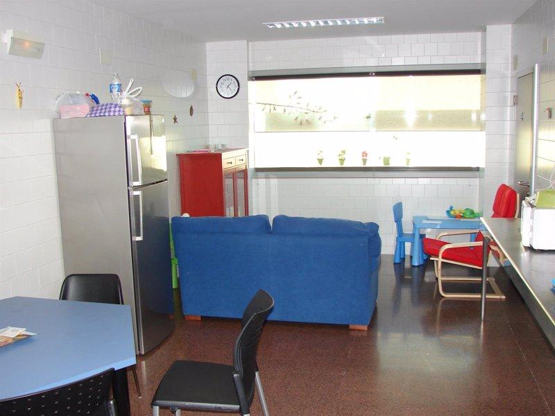 Son ll tzer habilita una sala de estar para padres de for Sala de estar para ninos
