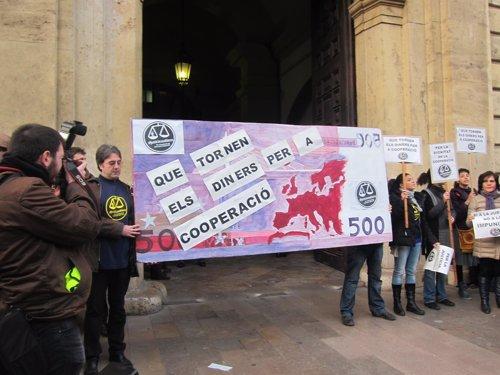 Protestas de ONGs ante el TSJCV