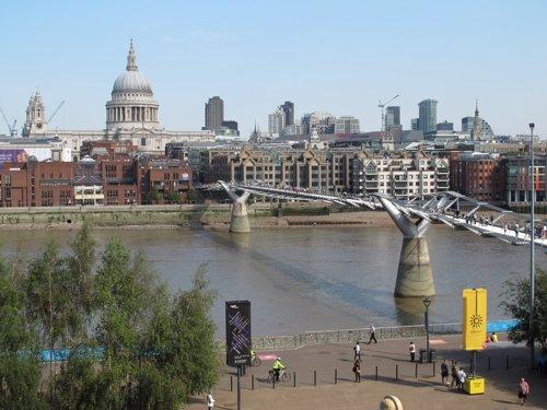 Londres prev marcar r cord hist rico en 2013 con 16 for Oficina turismo londres en madrid