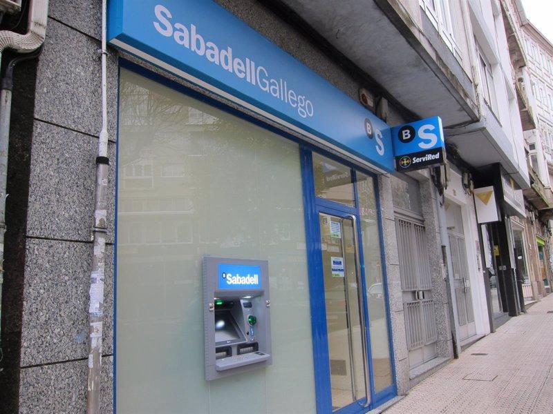 Los sindicatos y el sabadell prev n cerrar la pr xima for Oficina de empleo sabadell