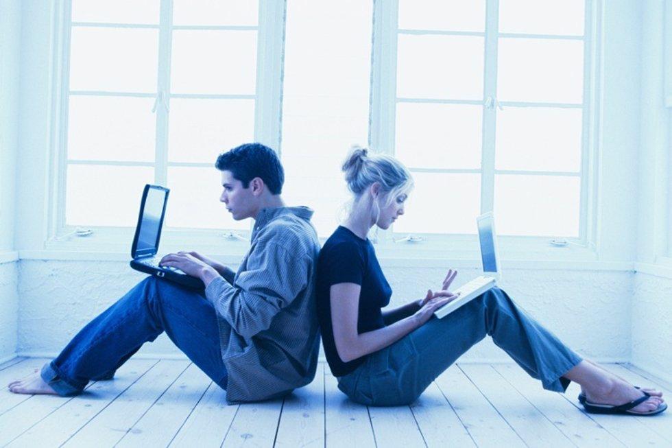 El 68% de los solteros europeos reconoce buscar información sobre sus citas