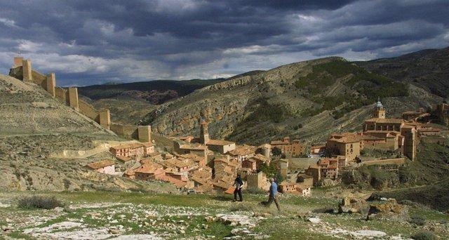Albarrac n teruel recibe el premio 39 destino recomendado for Oficina de turismo albarracin
