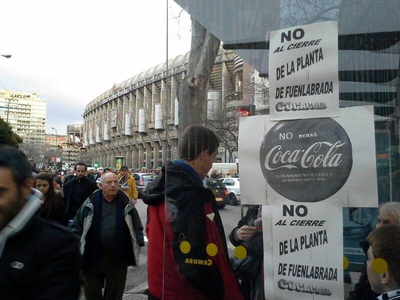 Trabajadores de coca cola marchar n el domingo desde for Puerta 53 bernabeu