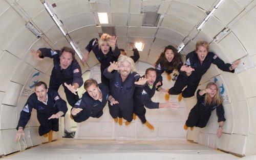 Richard Branson en un entrenamiento con gravedad cero