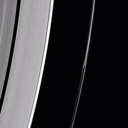 Anomalía en el anillo F de Saturno