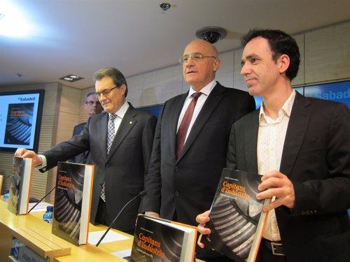 Pte.Generalitat Artur Mas, Josep Oliu (Banc Sabadell) periodista Francesc Canosa