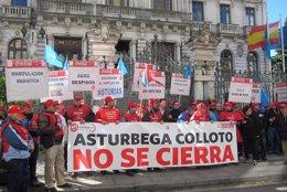 Manifestación contra el cierre de Coca-Cola