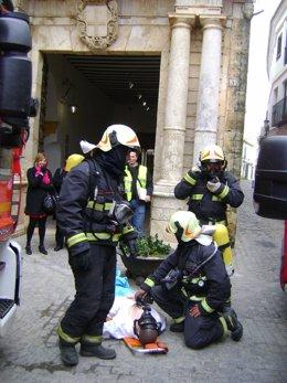 Efectivos de los bomberos en una de sus actuaciones.