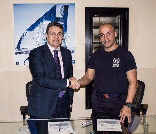 Acuerdo entre Aguas de Huelva y Bomberos Unidos sin Fronteras.