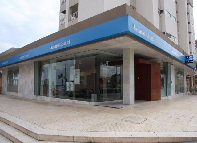Banco sabadell culmina la integraci n de lloyds y banco for Oficina trafico sabadell
