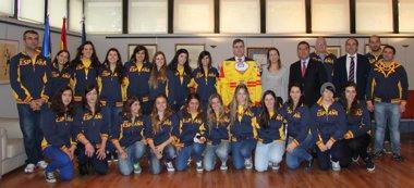 Foto: Cardenal recibe a la selección española de hockey hielo (CSD)