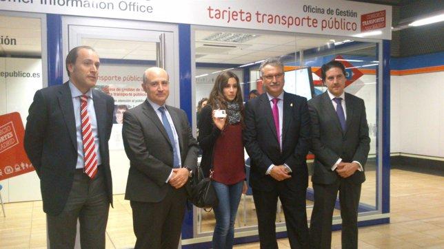 Cuatro nuevas oficinas de gesti n de la tarjeta de for Oficina transporte publico