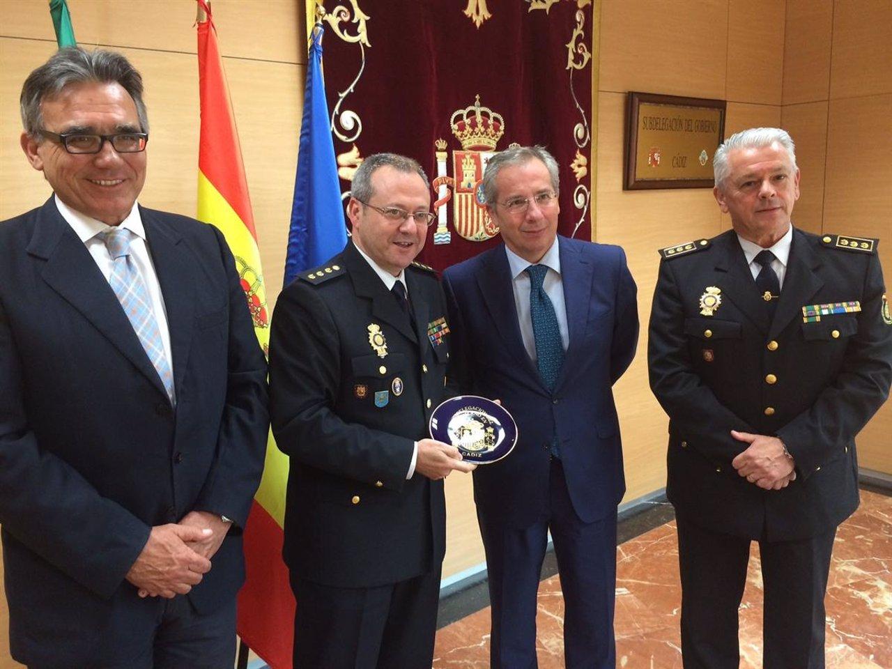 El comisario jefe del cuerpo nacional de polic a de jerez - Policia nacional cadiz ...
