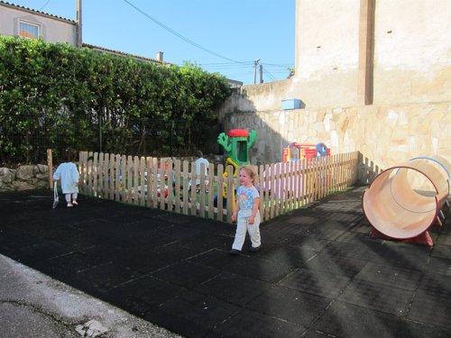 Niño, llanto, patio, juegos, curso, recreo