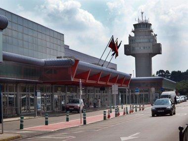 Foto: El Pleno vota cambiar el nombre del aeropuerto por el de Seve Ballesteros (AYUNTAMIENTO DE CAMARGO)