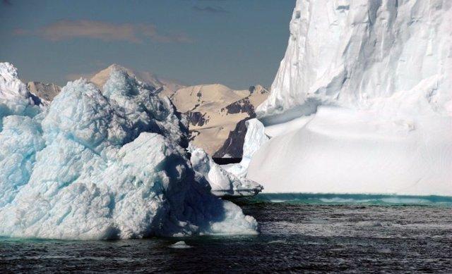 Fusión de hielo en la Antártida
