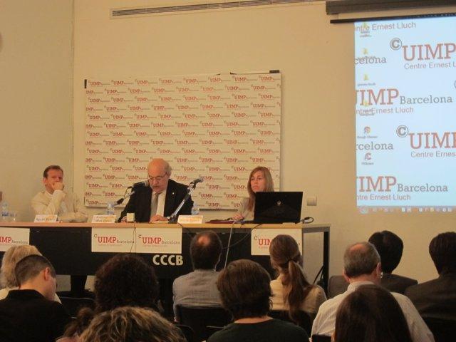 Mas-Colell en su ponencia en las jornadas sobre la reforma local