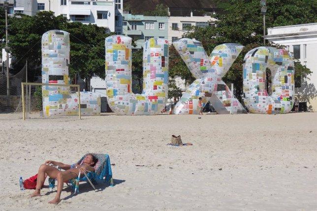 Estructura en la playa de Rio de Janeiro