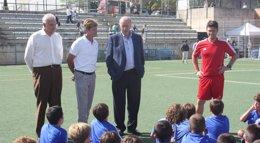 Foto: Del Bosque visita el Campus que lleva su nombre en Palma de Mallorca (AYUNTAMIENTO DE PALMA)