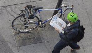 Foto: Ir al trabajo andando, en bici o en transporte público tiene beneficios significativos para la salud (EUROPA PRESS)