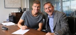 Foto: Dzeko renueva con el City hasta 2018 (HTTP://WWW.MCFC.CO.UK/)