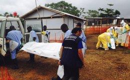 Foto: Unos 1.800 voluntarios de la Cruz Roja de los países afectados trabajan en el operativo contra el ébola (HANDOUT . / REUTERS)