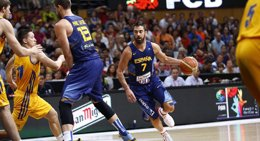 Foto: España supera a una dura Ucrania y sigue invicta (ALBERTO NEVADO/FEB)