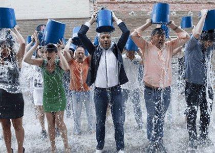 """Foto: Mucho """"Ice Bucket Challenge"""" pero poco dinero para el ELA"""