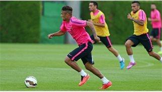 Neymar pateix un esquinç de turmell i és dubte per al debut de la lliga