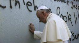 Foto: El Papa Francisco telefonea a los padres del reportero americano asesinado en Irak (REUTERS)